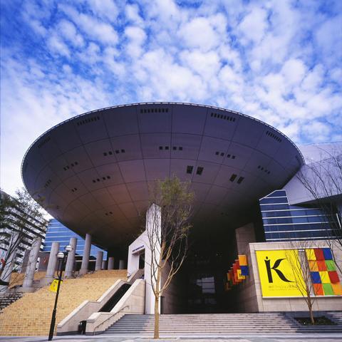 神戸ファッション美術館