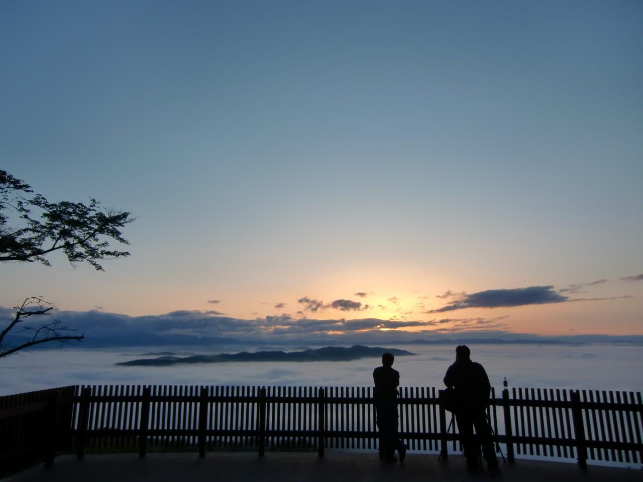 霧の海展望台(高谷山展望台)