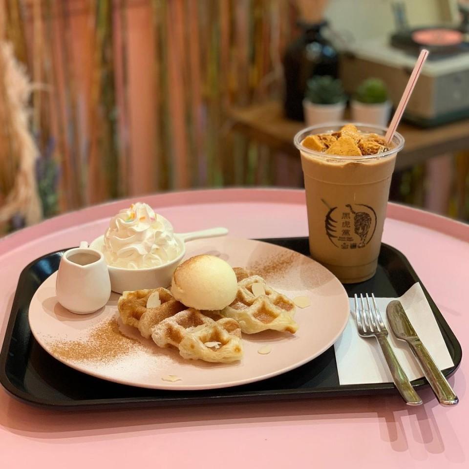 Cafe ON / カフェ・オン