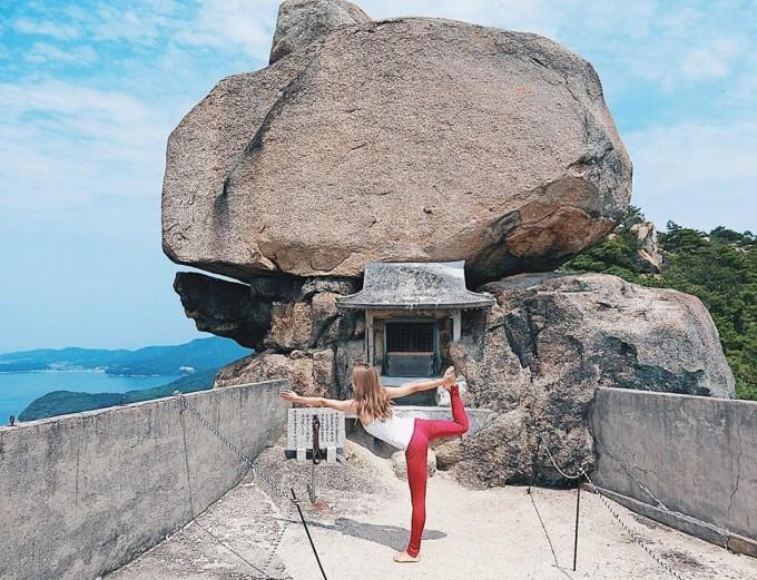 重岩(小瀬石鎚神社)