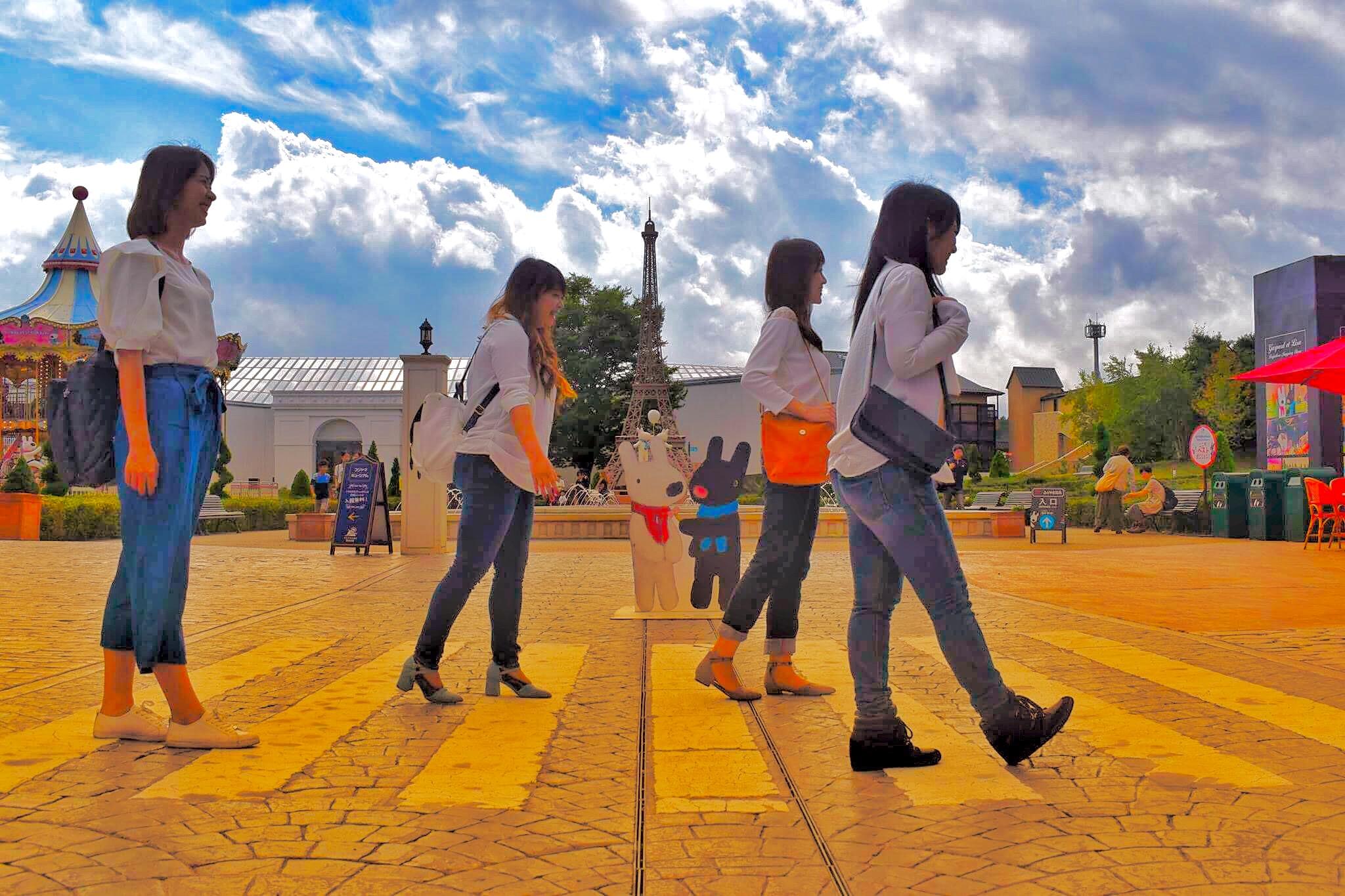 リサとガスパールタウンの横断歩道