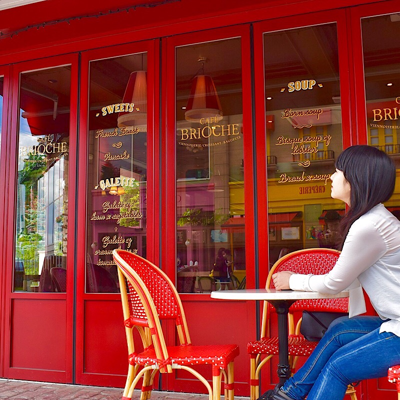 リサとガスパールタウンのSALON DE THE CAFÉ