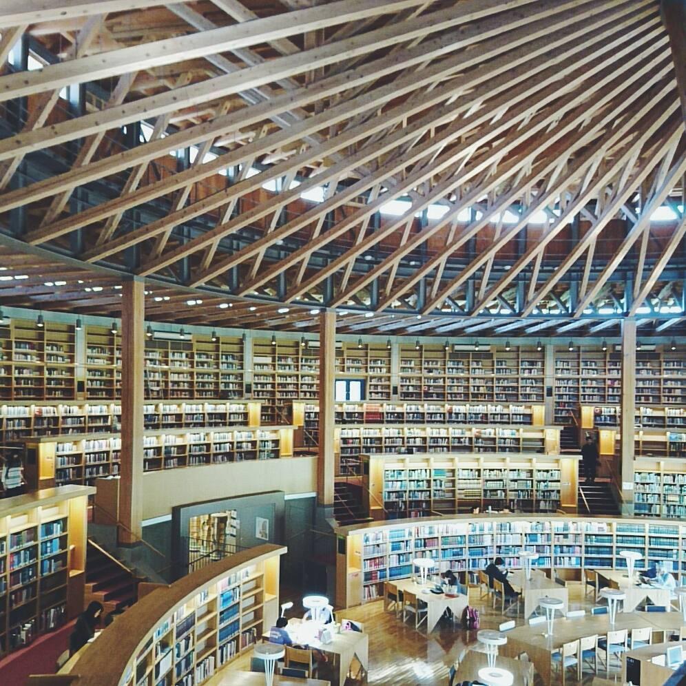 国際教養大学 図書館