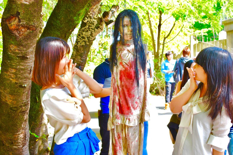 恐怖のおばけ人形