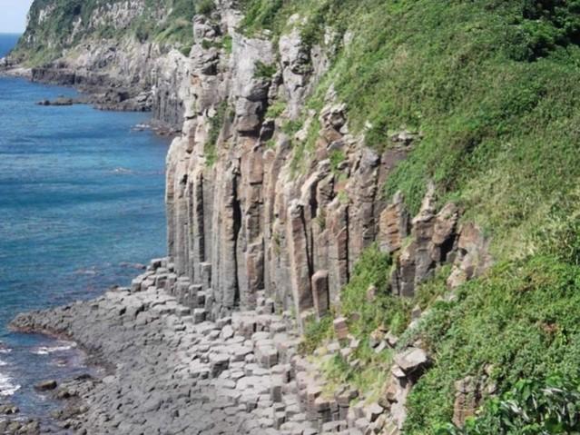 塩俵の断崖(御崎柱状節理)