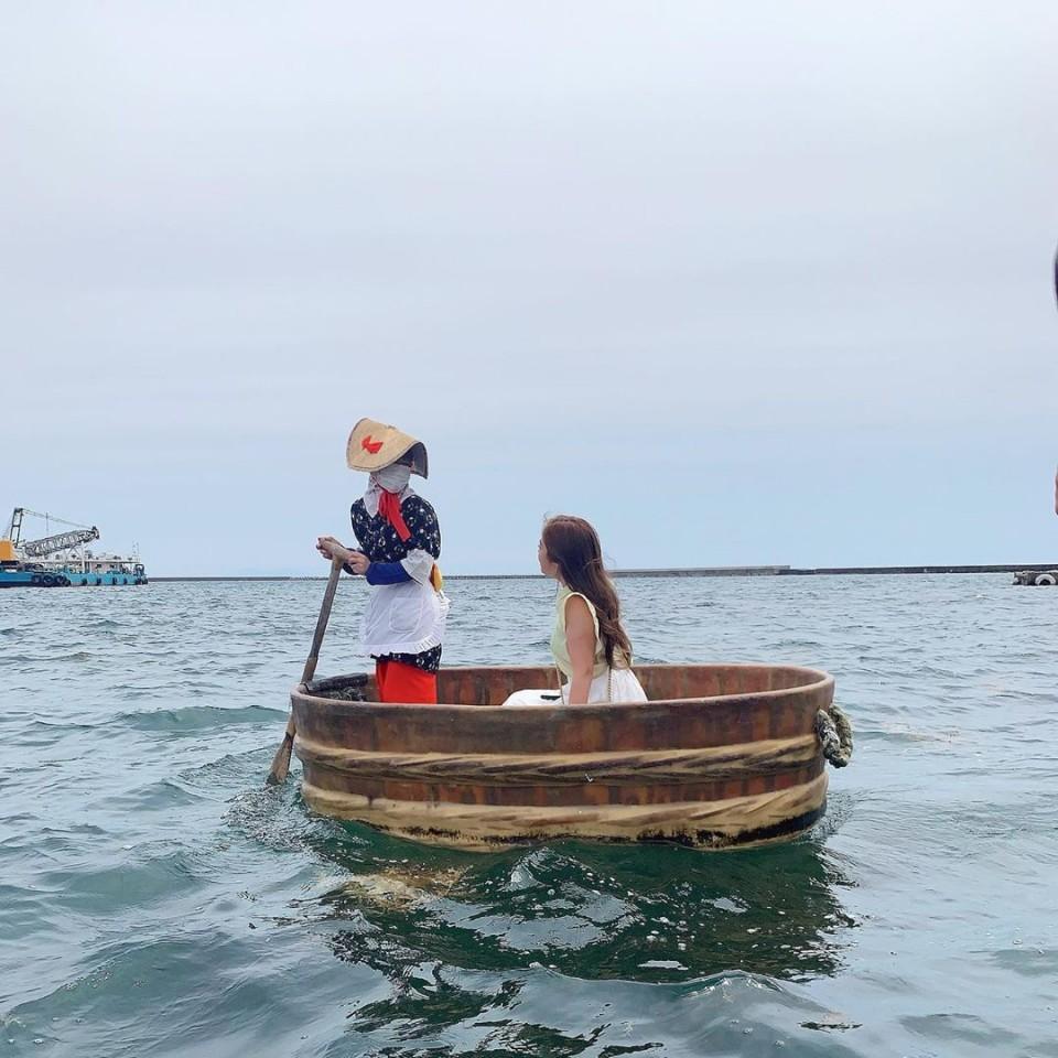 佐渡小木海岸たらい舟