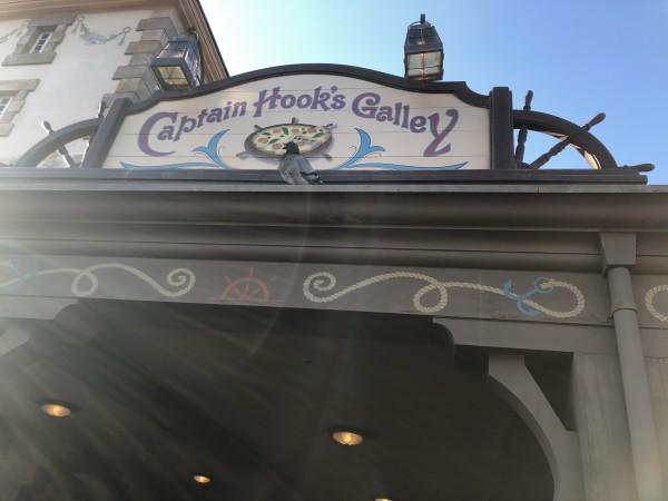 Captain Hook's Galley ディズニーランド