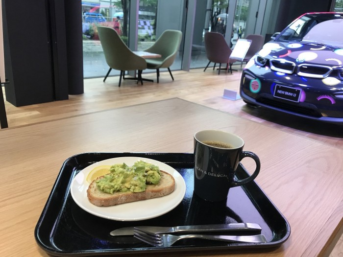 DEAN & DELUCA カフェBMW GROUP TERRACE(八重洲側)