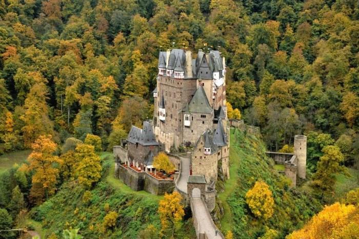 Burg Eltz(エルツ城)