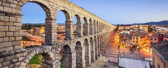 Segovia and its Aqueduct(セゴビア水道橋)