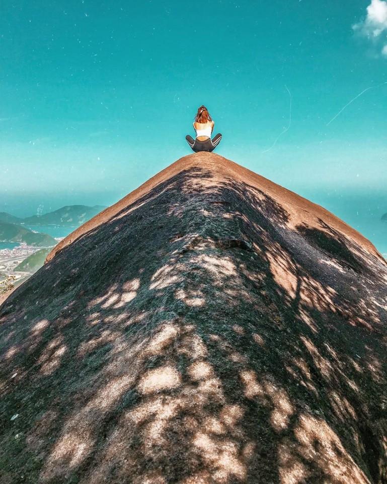 便石山 象の背