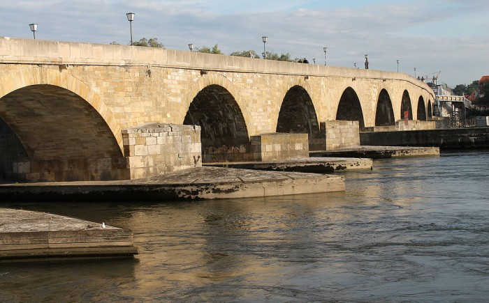 Steinerne Brücke(シュタイナーネ橋)