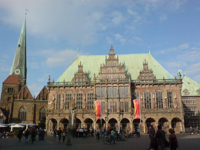 Town Hall and Roland on the Marketplace of Bremen(ブレーメンのマルクト広場の市庁舎とローラント像)