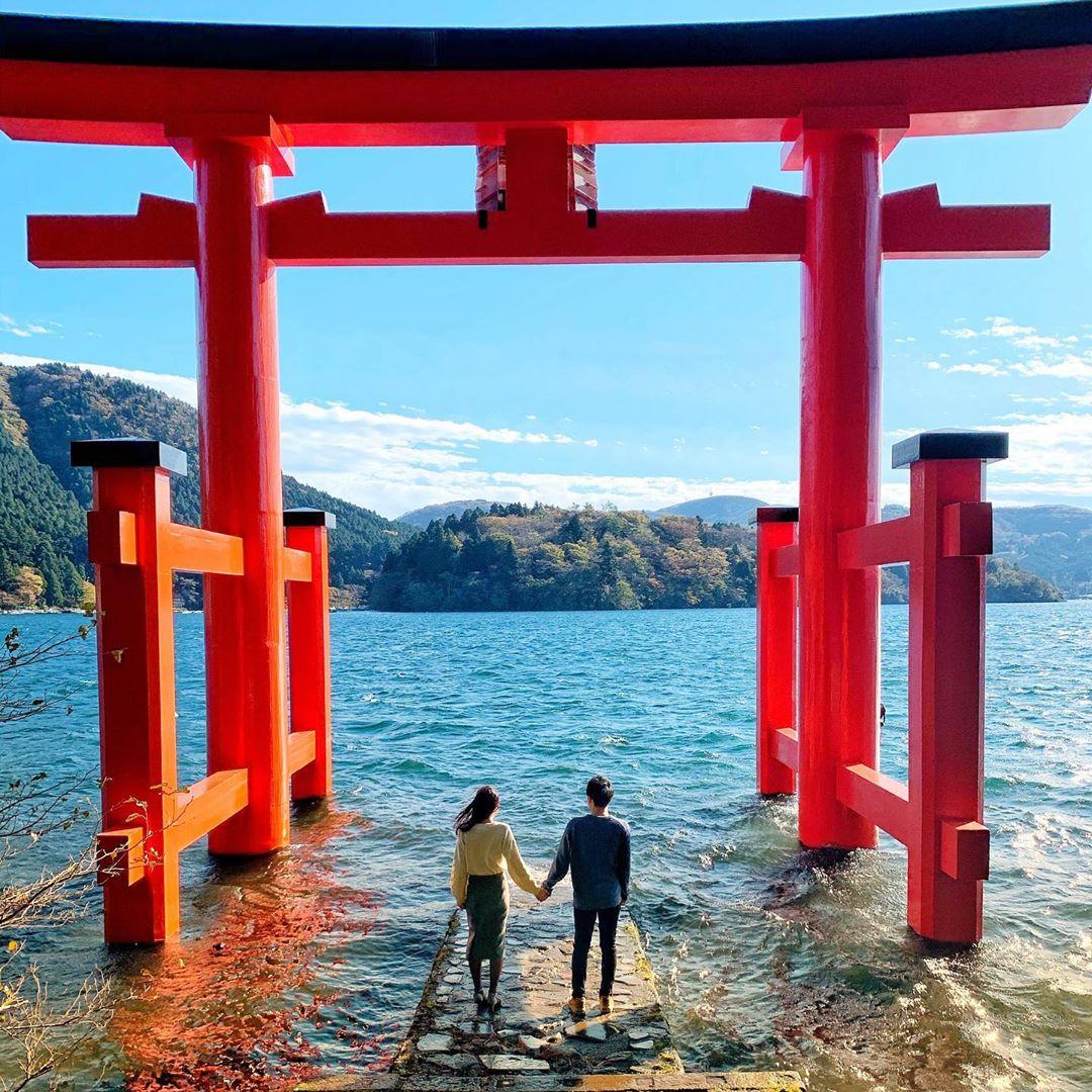 平和の鳥居(箱根神社)