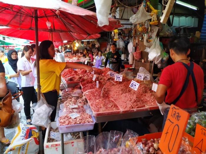 ตลาดคลองเตย(クロントーイ市場)