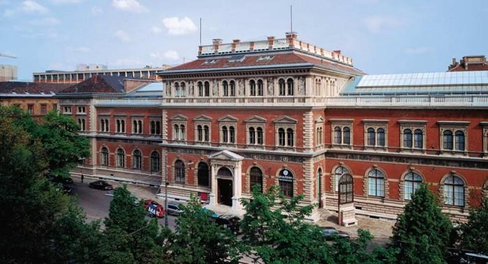 Museum für angewandte Kunst(応用美術博物館)