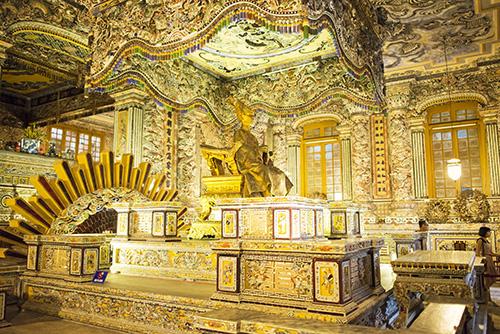 Ứng Lăng(カイ・ディン帝廟)