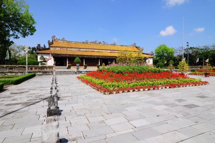 Bảo tàng Cổ vật Cung đình(フエ宮廷骨董博物館)