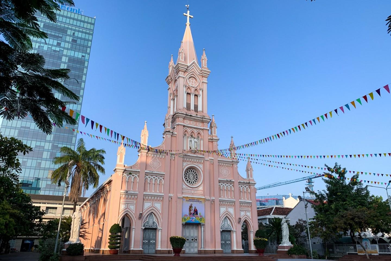 Giáo xứ Chính tòa Đà Nẵng(ダナン大聖堂)