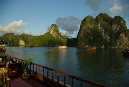 Vịnh Hạ Long(ハロン湾)