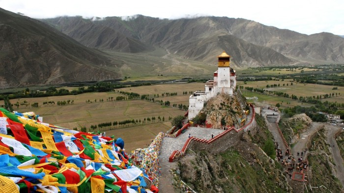 Dalai Lama's Residence & Kalacha Temple(ダライ・ラマ法王公邸とチベット寺院)