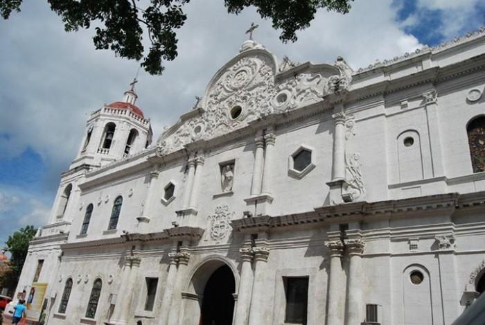 Cebu Metropolitan Cathedral(セブメトロポリタン大聖堂)