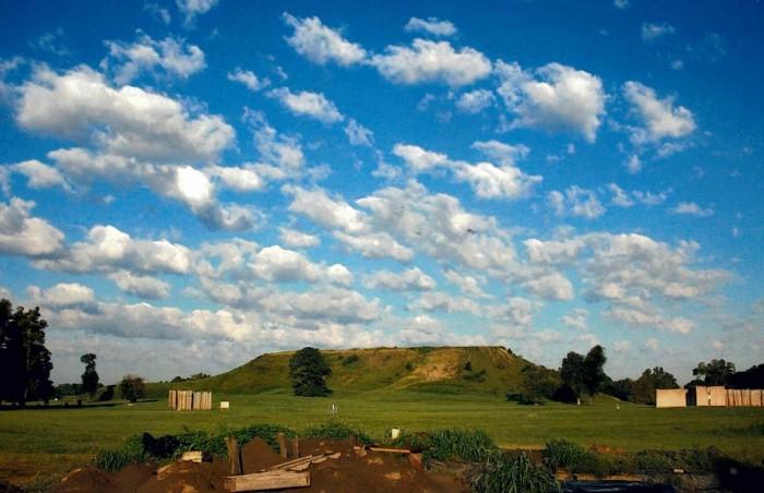 Cahokia Mounds State(カホキア墳丘群)