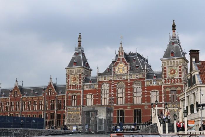 Station Amsterdam Centraal(アムステルダム中央駅)