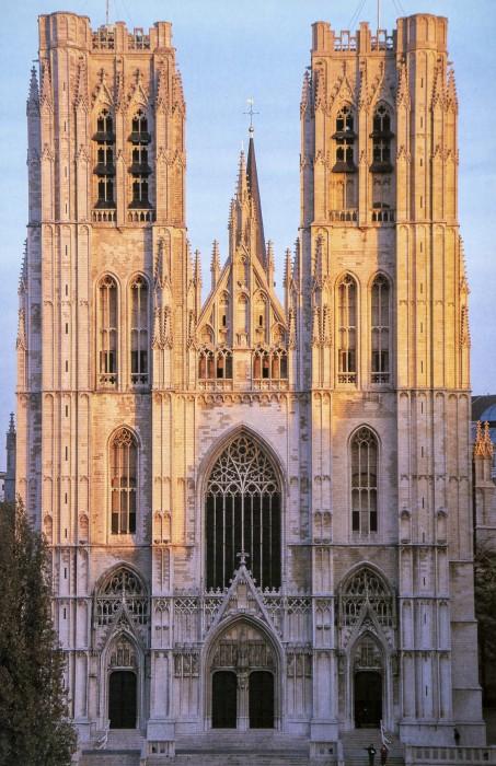 Cathédrale des Sts Michel et Gudule, Bruxelles(サン・ミシェル大聖堂)