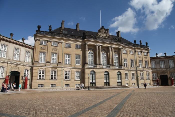 Amalienborg(アマリエンボー宮殿)