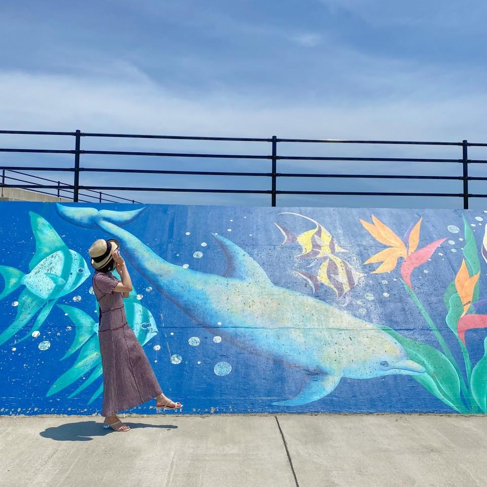 初島港の壁画